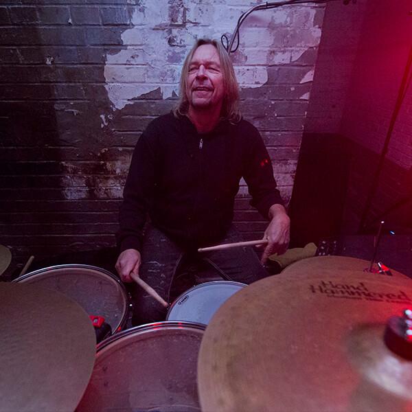 Mal wieder ein wechsel am Schlagzeug